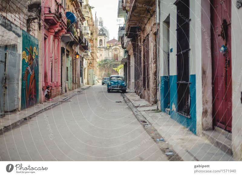 cuba Havana Cuba Capital city Downtown Old town House (Residential Structure) Facade Means of transport Traffic infrastructure Street Lanes & trails Car