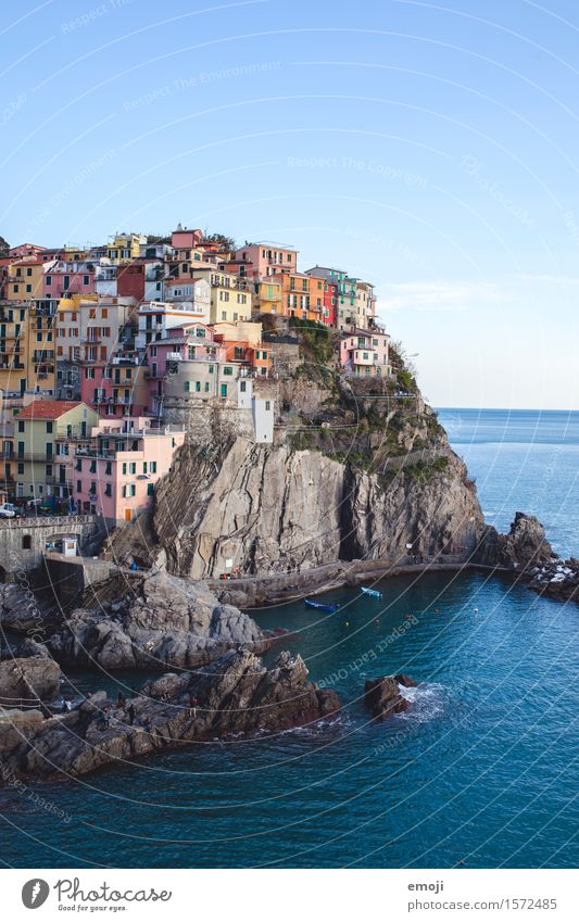 CINQUE TERRE Climate Beautiful weather Coast Ocean Small Town Outskirts Old town House (Residential Structure) Maritime Blue Cinque Terre Tourist Attraction