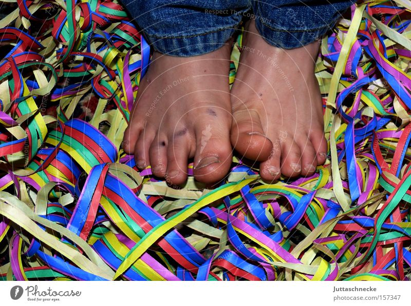 Child Joy Party Feet Feasts & Celebrations Carnival Club Toes Confetti Paper chain Paper streamers Monday befor lent