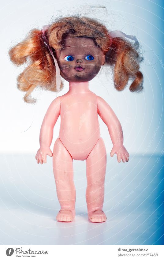 Doll 8 Move (board game) Fear Horror Night Nightmare Blue Legs Eyes Hair Body Panic Colour plaything arms Lips Interior shot