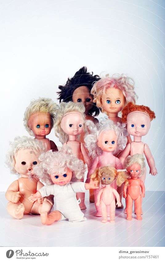 Dolls Move (board game) Fear Horror Night Nightmare Blue Legs Eyes Hair Panic Colour plaything arms Lips Interior shot