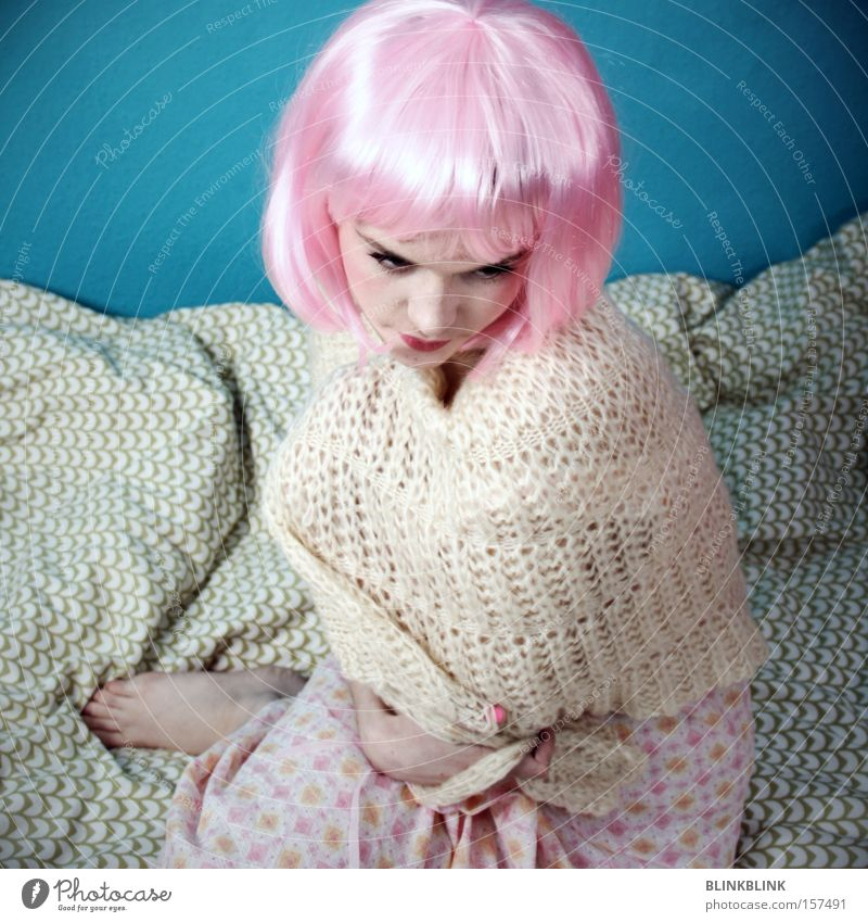 Woman Beautiful White Pink Bed Turquoise Pyjama Blanket Beige Barefoot Feeble Wool Cape Sensitive Hair and hairstyles Wig