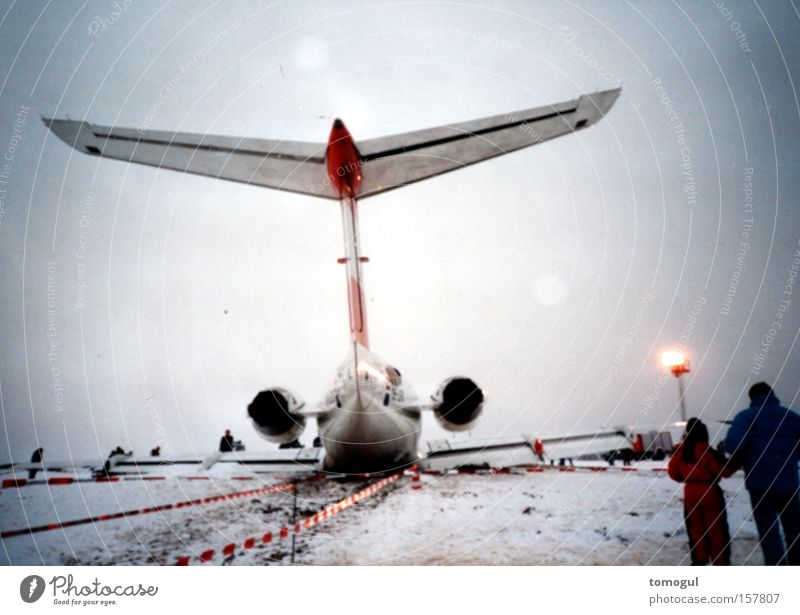lame bird Airplane Emergency landing Disaster Happy Passenger plane Jet High-output Dangerous Feeble Aviation Pain Happiness in disguise engine problem