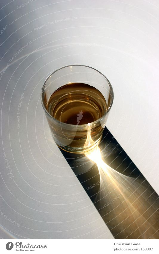 light glass Glass Whiskey Shadow Sun Light Circle Reflection Light (Natural Phenomenon) Beverage Cone of light Things Alcoholic drinks Gastronomy