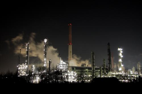 Dark Industry Factory Night Smoke Chimney Environmental protection Workplace Environmental pollution Steam Climate change Shift work Chemical factory