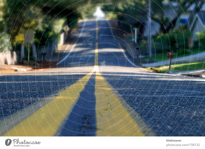 Mahoney Ave Yellow Street Transport Perspective Asphalt Middle Pavement Surface Means of transport
