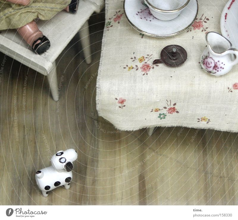 Old Playing Dog Small Sit Table Communicate Chair Toys Exceptional Crockery Doll Nostalgia Partially visible