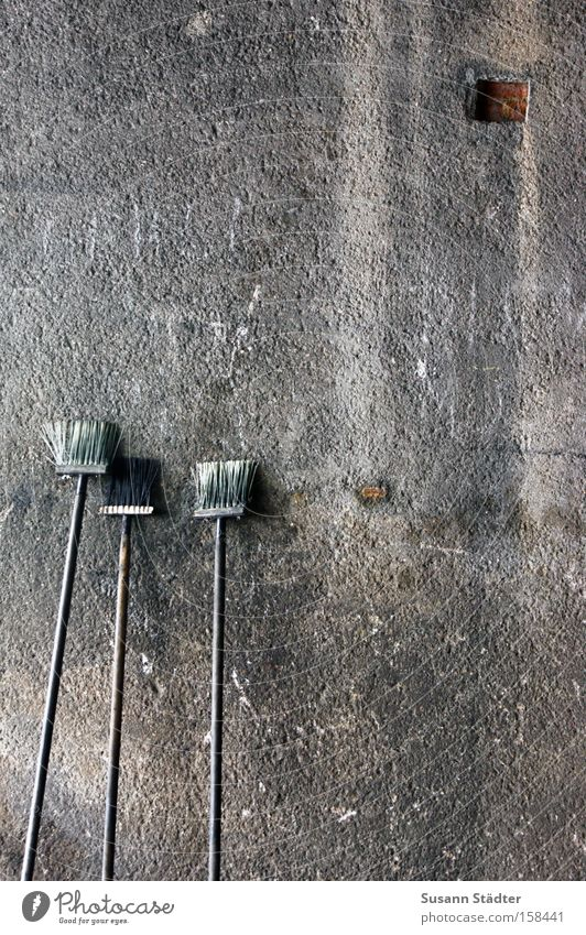 100!!!!!!!! Broom Jubilee Wall (building) Sweep Dirty Style Concrete Train station Old Image Bristles Brush Hairbrush Square Hollow
