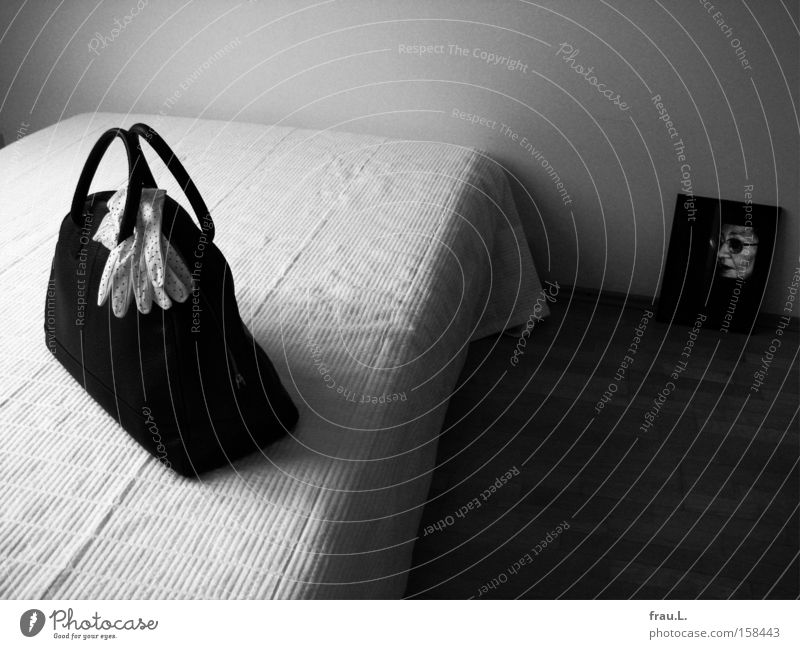 voyage Black & white photo Interior shot Day Contrast Deep depth of field Central perspective Portrait photograph Half-profile Flat (apartment) Furniture Bed