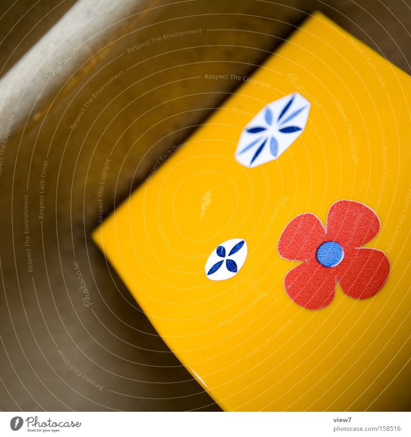 layout Toilet Village Toilet paper Box Donor Flower Illustration Partially visible Pattern Structures and shapes Arrangement Contrast Multicoloured Yellow