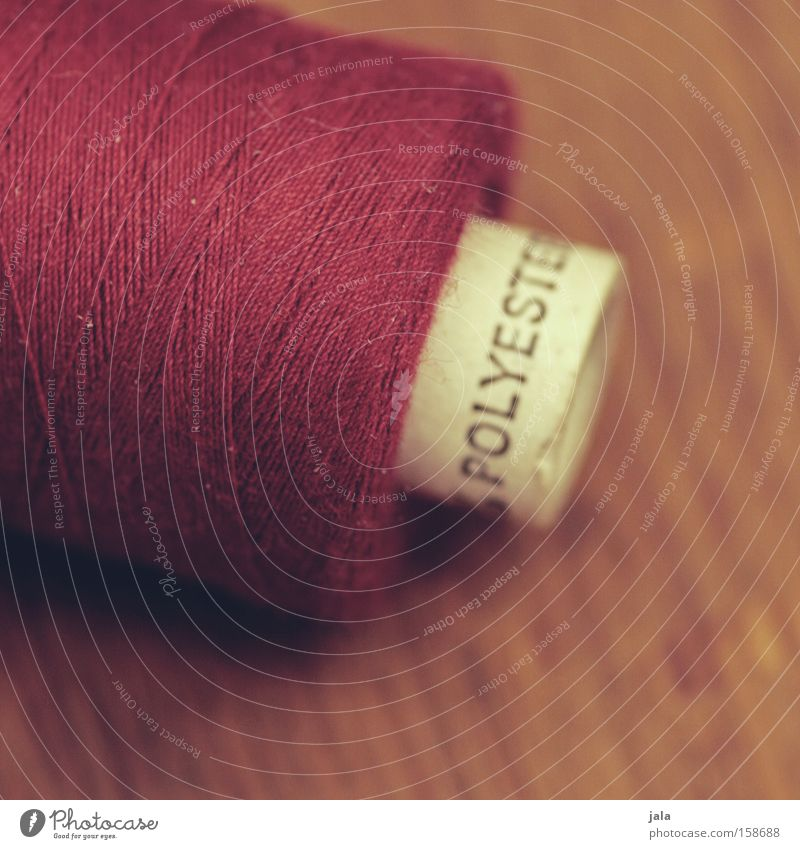 polyester Synthetic Sewing thread Coil Table Red Wood Detail Dry goods Sewing machine Tailor's shop Spool Services Macro (Extreme close-up) Close-up Clothing
