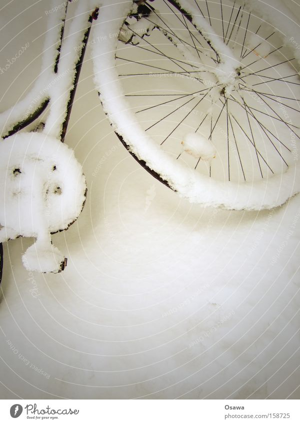 White Snow Playing Bicycle Wheel Virgin snow Racing sports Ladies' bicycle Tour de France