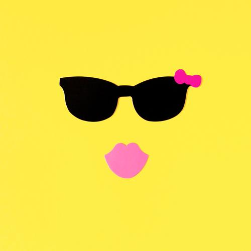 Beautiful Summer Sun Eroticism Joy Yellow Feminine Lifestyle Pink Leisure and hobbies Happiness Uniqueness Joie de vivre (Vitality) Mouth Paper Friendliness