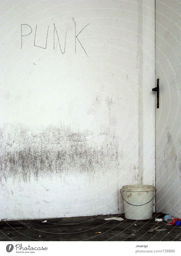 Bleibe Door Punk Corner of the room Trash Typography Dirty Bucket Document Living or residing Poverty Loneliness Homeless Hiding place Community service
