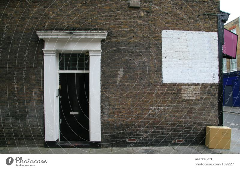 City House (Residential Structure) Wall (building) Stone Wall (barrier) Architecture Door Traffic infrastructure London Cardboard England Notting Hill