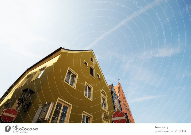 House (Residential Structure) Building Facade Monument Historic Traffic infrastructure Old building Old town Detached house Restoration One-way street