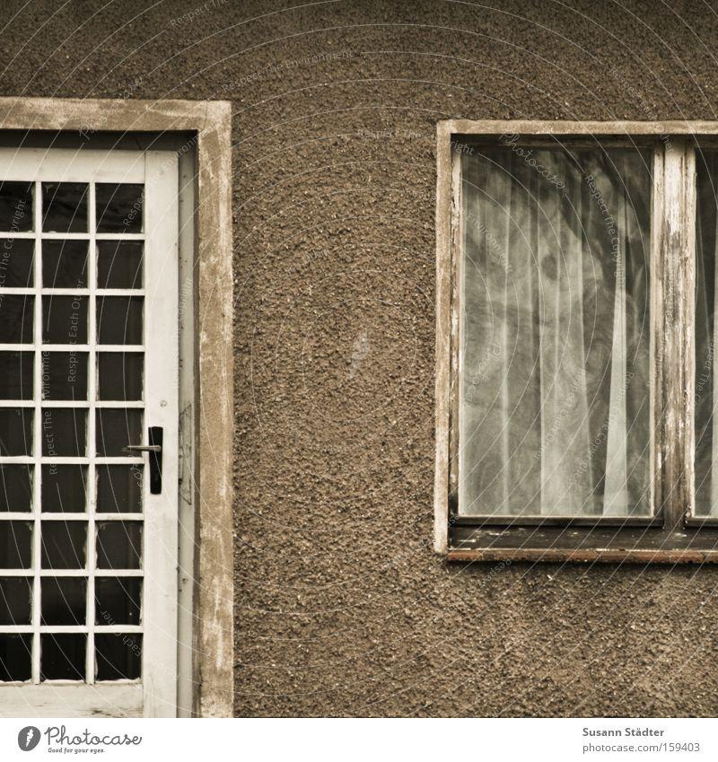Old House (Residential Structure) Window Building Door Flat (apartment) Facade Car door Historic Past Monument Door handle Beech wood