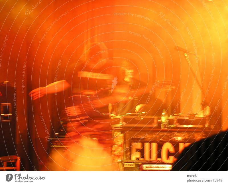 rock'n roll Fog Disc jockey Crash Concert Music Rock music Guitar turn tables fuck major seven Smoke that pops tinitus