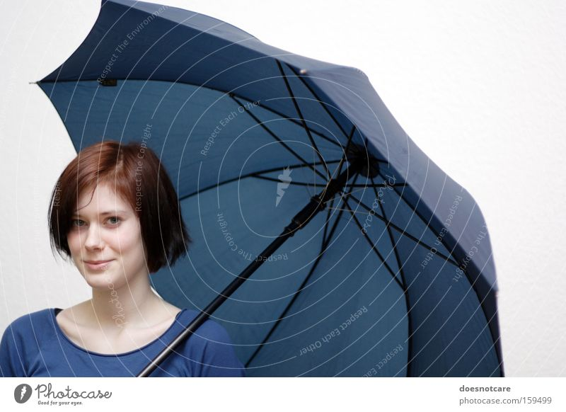 La Chica con el Paraguas Azul. Human being Feminine Young woman Youth (Young adults) Woman Adults 1 Umbrella Red-haired Beautiful Blue Protection