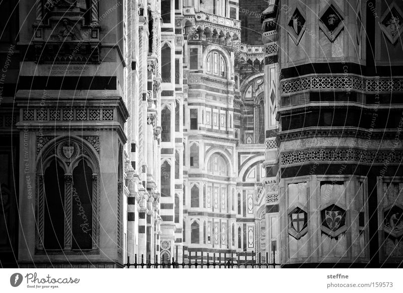 White Black Religion and faith Facade Church Italy Tuscany Historic Deep Landmark Depth of field Dome Marble House of worship Catholicism Florence