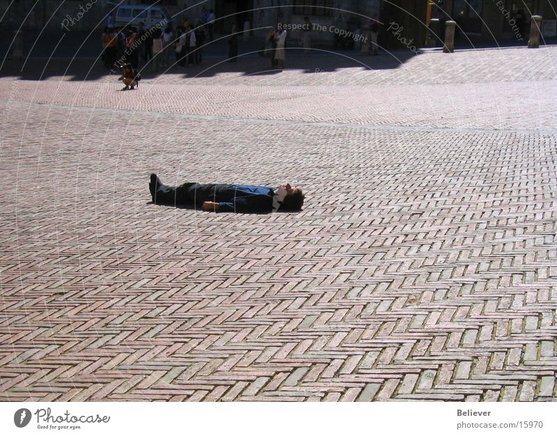 Man Sun Summer Loneliness Places Floor covering Lie Tuscany Individual Italy Lucca