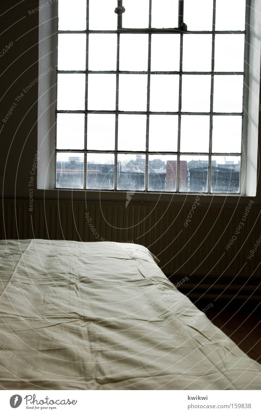 Window Wall (building) Room Sleep Bed Vantage point Blanket Location Bedroom Duvet