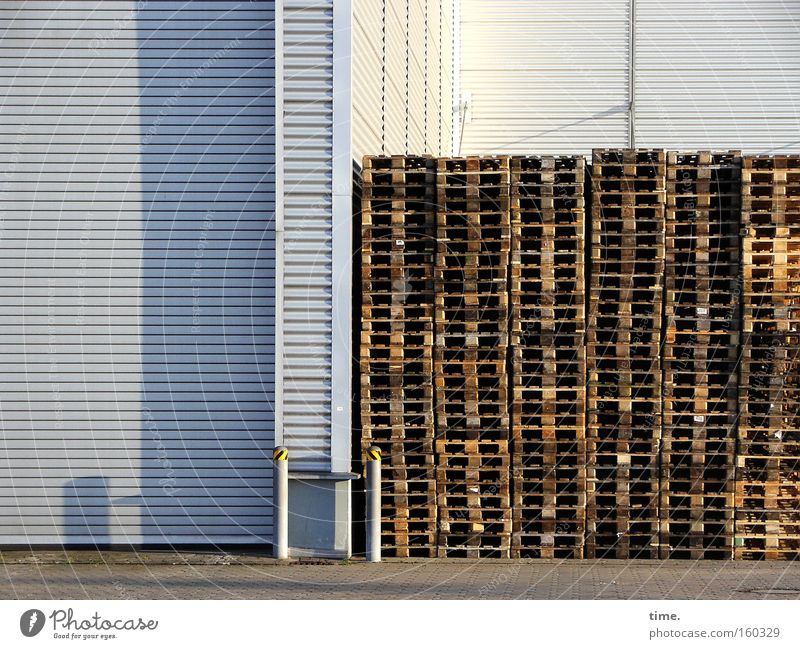 Storage House (Residential Structure) Wall (building) Wood Gray Metal Line Brown Industry Corner Trade fair Diagonal Warehouse Collection Barn Stack