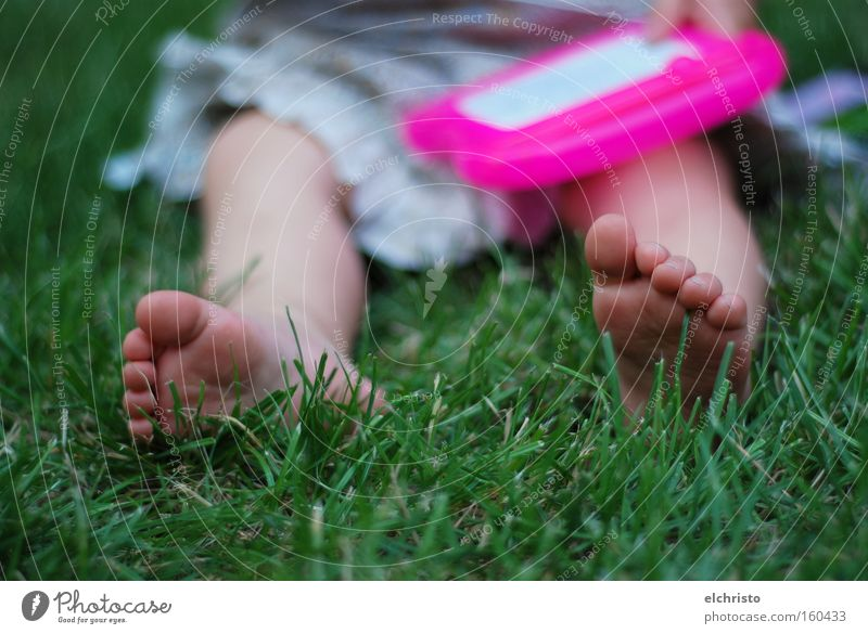 Artists also need to relax Child Grass Green Dress Feet Toes Relaxation Summer Freedom Pink Legs Blade of grass Sit Painting and drawing (object) Toddler