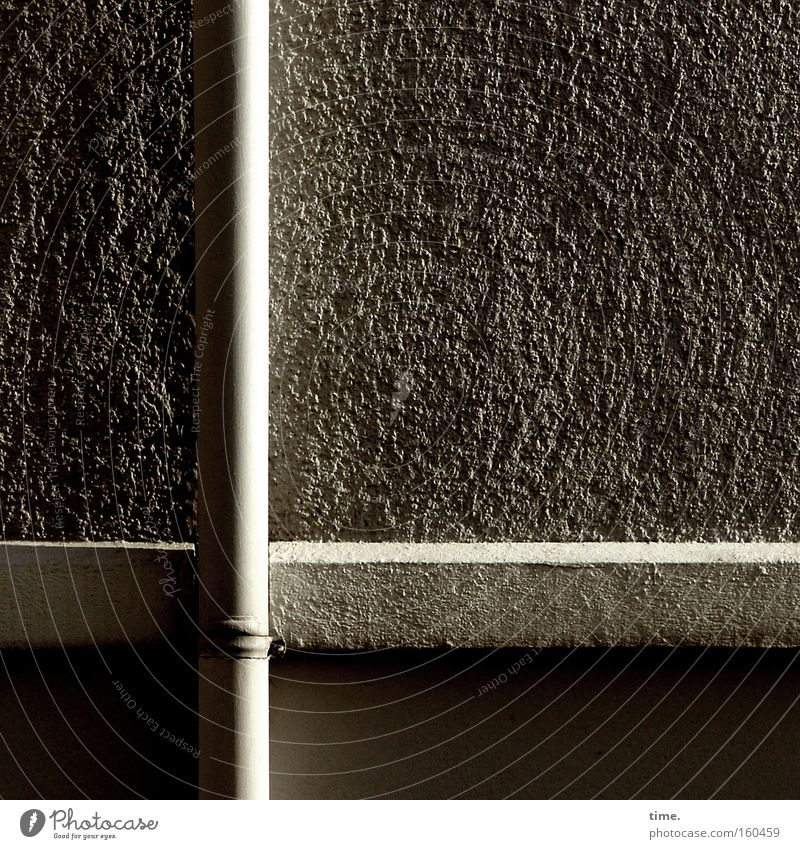 Water Black Dark Wall (building) Gray Stone Wall (barrier) Bright Metal Concrete Statue Craft (trade) Plaster Craftsperson Drainage Quality