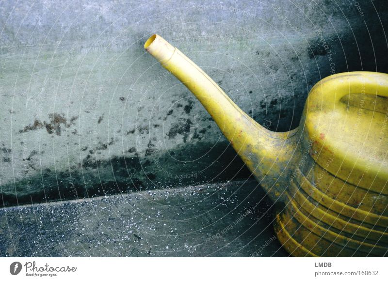 Water Old Yellow Stone Dirty Trash Well Dry Cast Vessel Forget Tub Watering can Unused