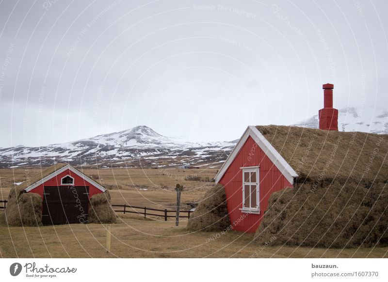 red house. Vacation & Travel Tourism Trip Adventure Far-off places Winter Snow House (Residential Structure) Garden Environment Nature Landscape Clouds Ice