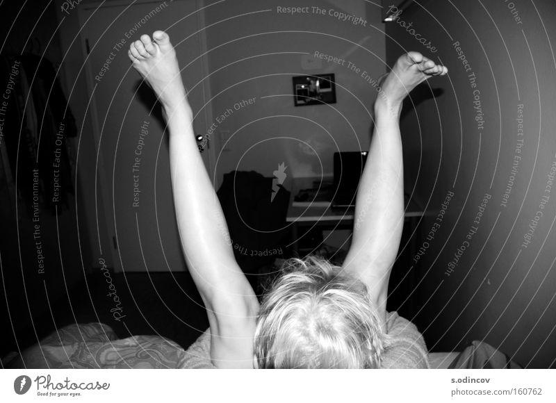 V Girl Joy Emotions Legs Room Black & white photo Entertainment Child Intimate