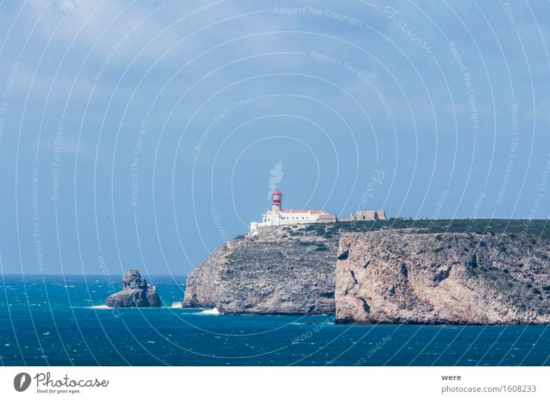 A lighthouse at the end of the world Vacation & Travel Tourism Ocean Waves Mountain Water Coast Pond Lake Lighthouse Glittering Illuminate Throw Algarve