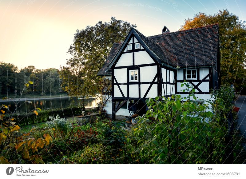Old House (Residential Structure) Garden Lake Infancy River Village Monument Elbe Detached house Vacation home Evening sun Dream house Fishing village