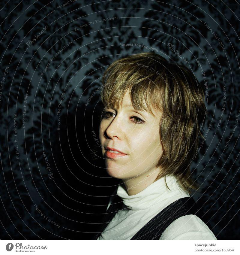 Woman Loneliness Dream Empty Hope Retro Trust Longing Portrait photograph Wallpaper