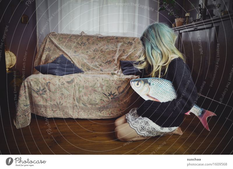 Remix date with fish. X Girl Young woman Hair and hairstyles Living room Sofa Fish Remixcase Child Infancy Parenting Crazy Strange Puberty Whimsical Wig story