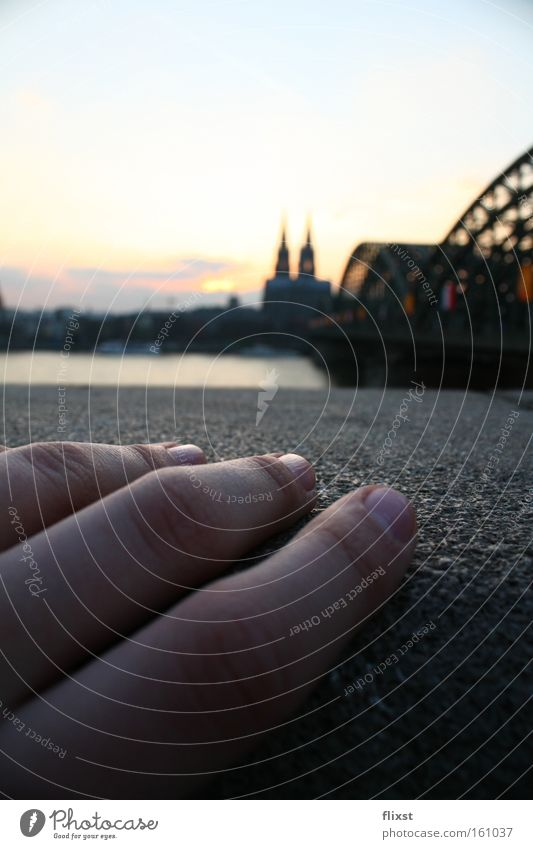 crafted Hand Sunset Cologne Bridge Dome Fingers Longing Macro (Extreme close-up) Close-up Celestial bodies and the universe