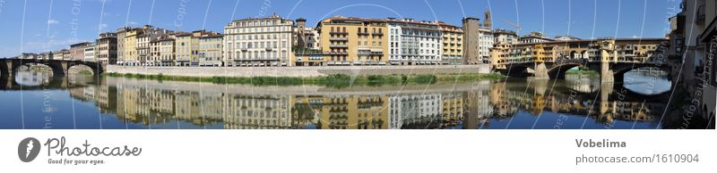 Shore of the Arno in Florence Tourism Sightseeing City trip River bank Town Old town House (Residential Structure) Bridge Building Architecture