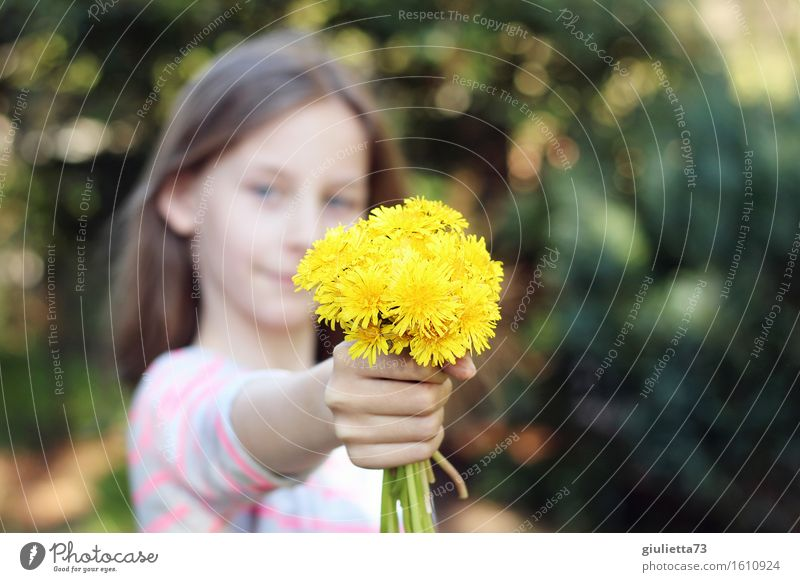 Human being Child Youth (Young adults) Beautiful Girl Love Feminine Happy Birthday Infancy Smiling Gift Friendliness Desire 8 - 13 years Bouquet