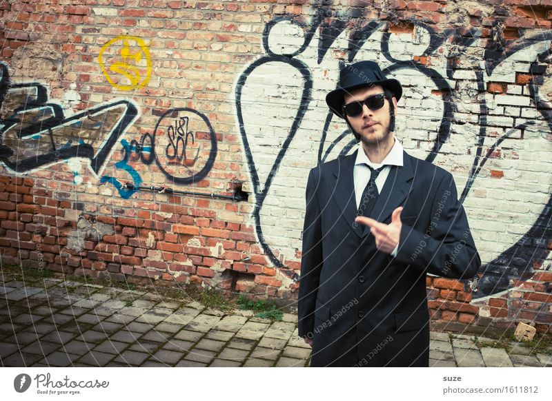 Human being Man Adults Funny Business Friendship Masculine Music Crazy Retro Cool (slang) Carnival Hat Film industry Trashy Suit