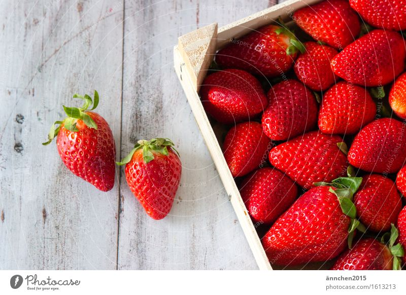 Green Summer Healthy Eating Red Dish Spring Food photograph Delicious Berries Crate Juicy Strawberry Basket