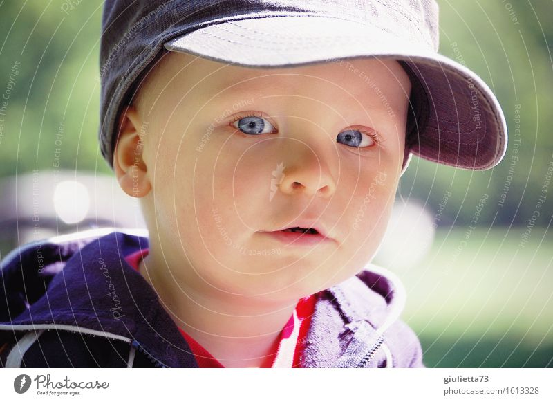 junior Masculine Child Baby Toddler Boy (child) Infancy 1 Human being 1 - 3 years Cap baseball cap Observe Looking Beautiful Curiosity Cute Watchfulness