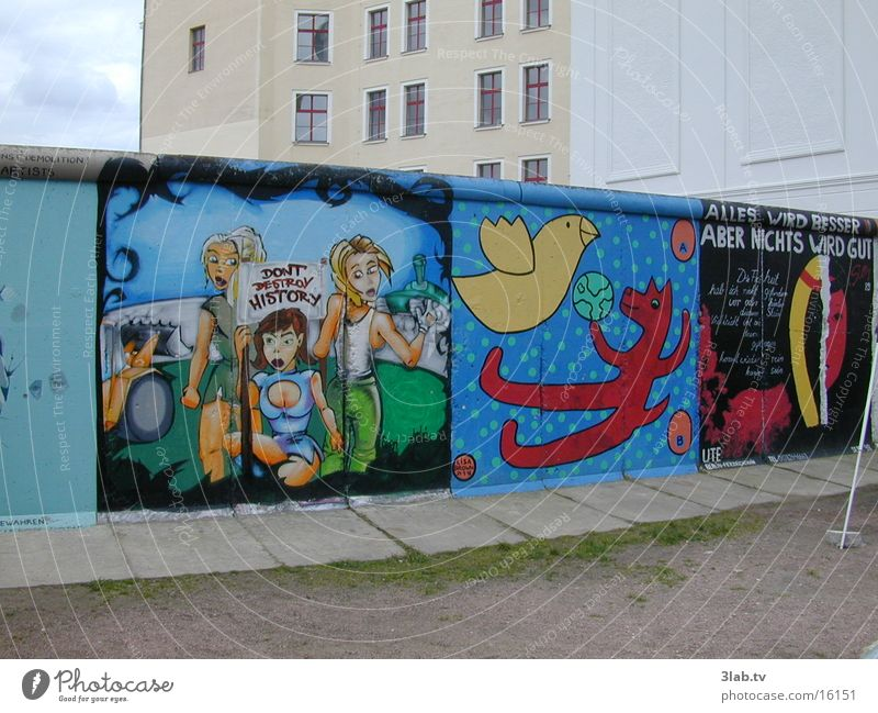 Berlin Wall (barrier) Graffiti Past Historic Politics and state