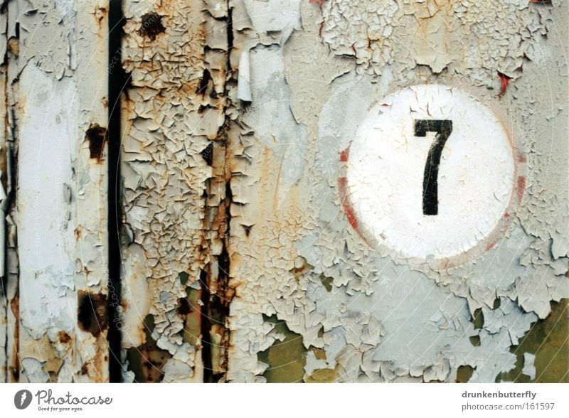 7 Digits and numbers Wall (building) Varnish Old Rust Iron Circle Flake off Decline Broken Background picture Transience Metal Door Colour