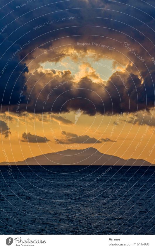 summer recess Elements Air Water Sky Clouds Horizon Sunrise Sunset Ocean Mediterranean sea Gulf of Napels Island Ischia Hollow Opening Exceptional Dark