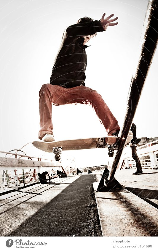Red Joy Bridge Dangerous Safety Skateboarding Wooden board Dome Coil Roll Closing time Wire cable Extreme sports Red rag