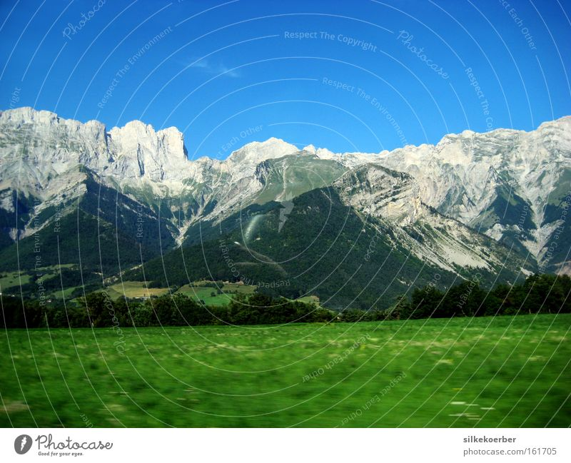 aper Summer Mountain Nature Air Meadow Free Fresh Blue Gray Green Power Might Massive Momentum Robust Colour photo Exterior shot Deserted Copy Space top Day