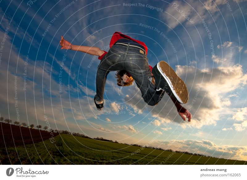 Sky Sun Joy Playing Freedom Lanes & trails Jump Style Field Aviation Action To enjoy