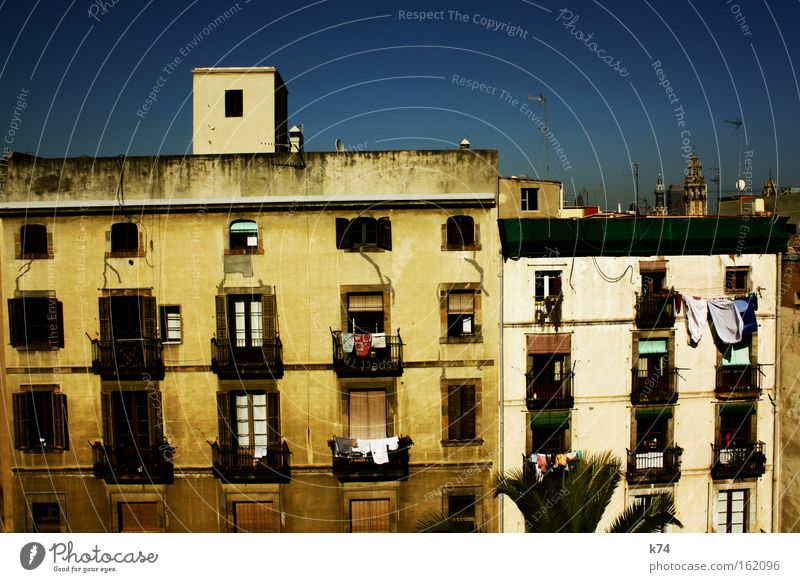 Old City House (Residential Structure) Life Window Building Moody Architecture Flat (apartment) Time Facade Roof Living or residing Joie de vivre (Vitality)