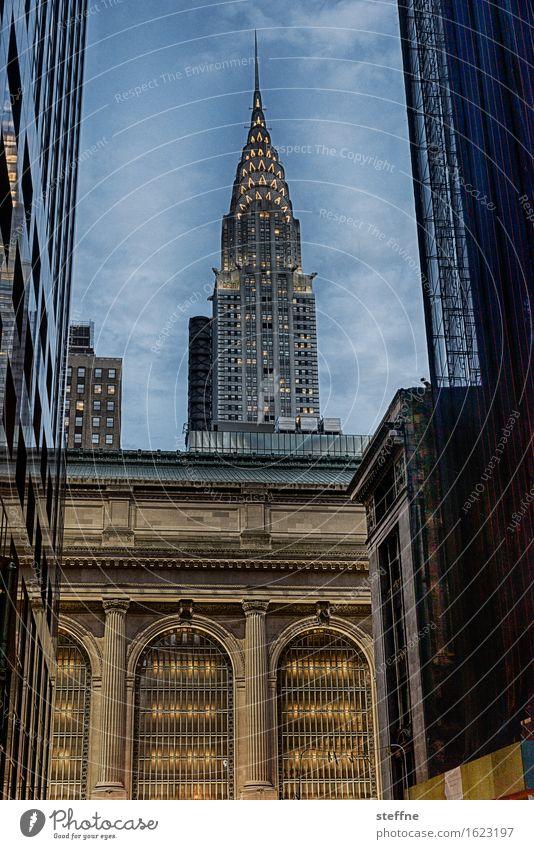 Around the World: New York City Vacation & Travel Tourism Landmark Discover around the world Travel photography Manhattan Chrysler Building
